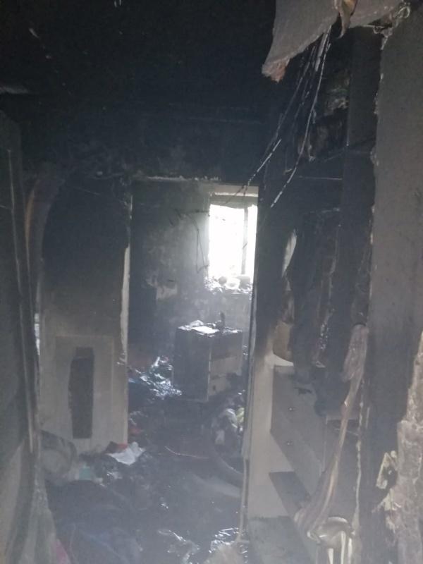 Пожарные МЧС России спасли четыре человека на пожаре в многоквартирном доме в Новосибирске (фото)