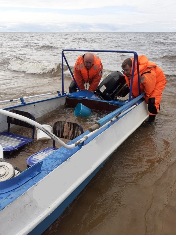Спасатели АСУНЦ «Вытегра» МЧС России оперативно оказали помощь на воде