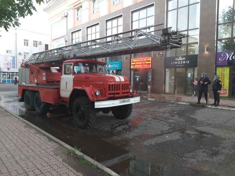 Возгорание в бизнес-центре оперативно ликвидировали биробиджанские огнеборцы