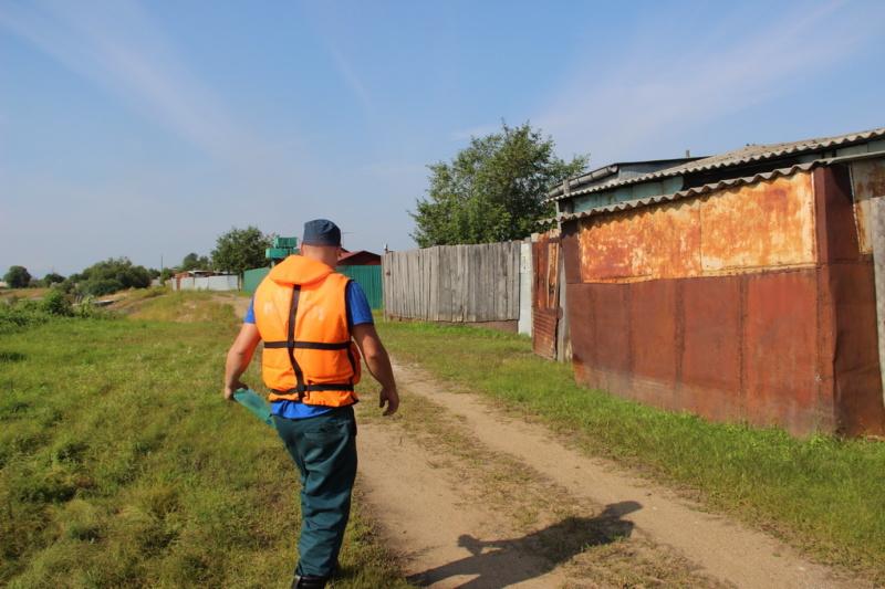 МЧС России предупреждает хабаровских дачников: в преддверии паводков собрать урожай и покинуть островные территории необходимо заблаговременно (фото, видео)