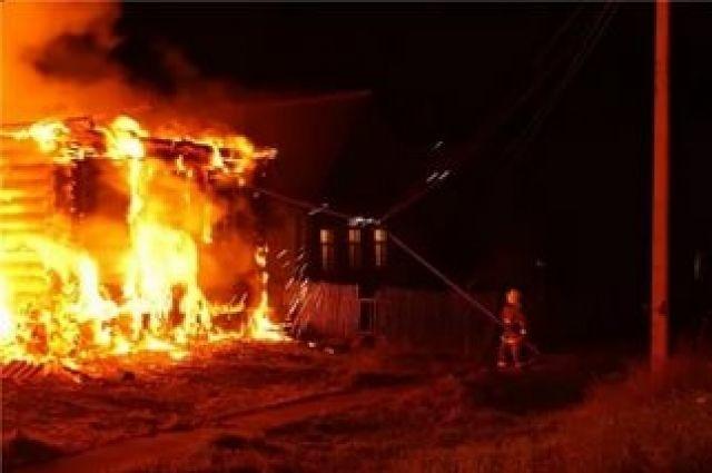Пожар в бесхозном строении в Тацинском районе