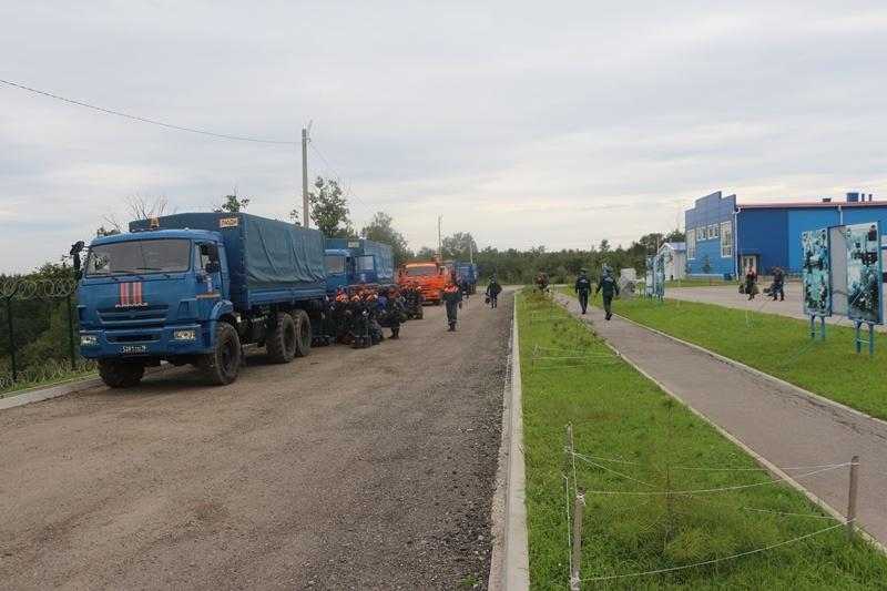 Аэромобильная группировка Амурского спасательного центра МЧС России направлена в Приморский край в связи с неблагоприятным прогнозом