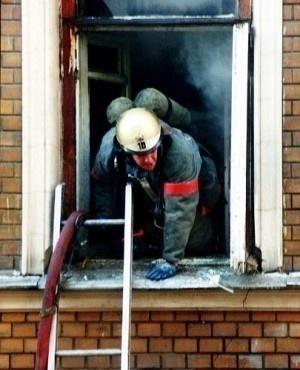 Неукоснительно соблюдайте правила пожарной безопасности в быту!