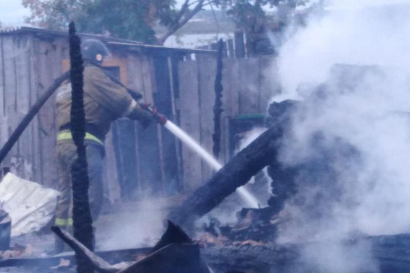 Дознаватели МЧС России устанавливают причину трагического пожара в Барабинском районе