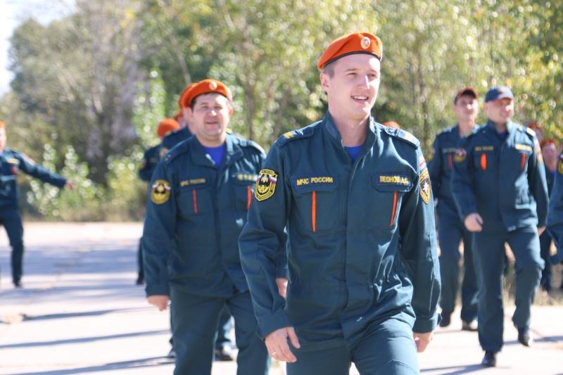 Сотрудники МЧС присоединились к марафону «Чистые берега»