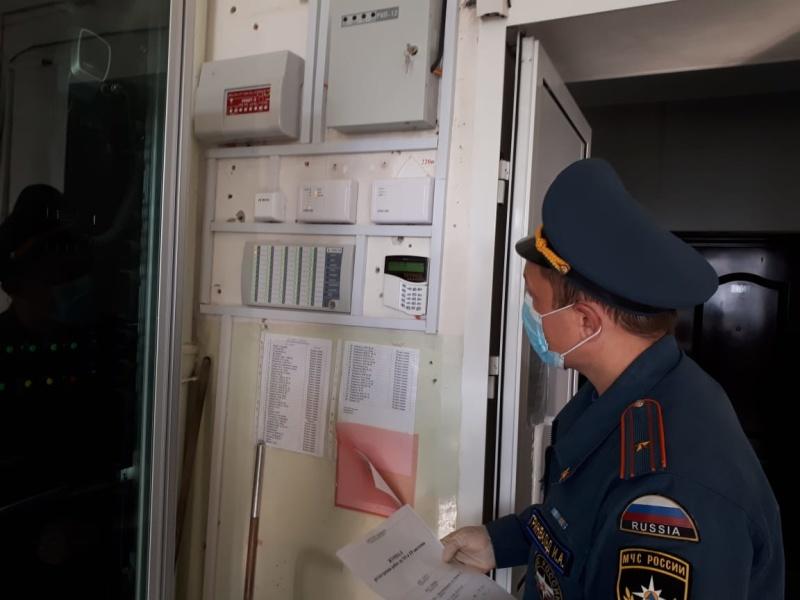 Безопасность проведения Единого дня голосования на контроле свердловских спасателей