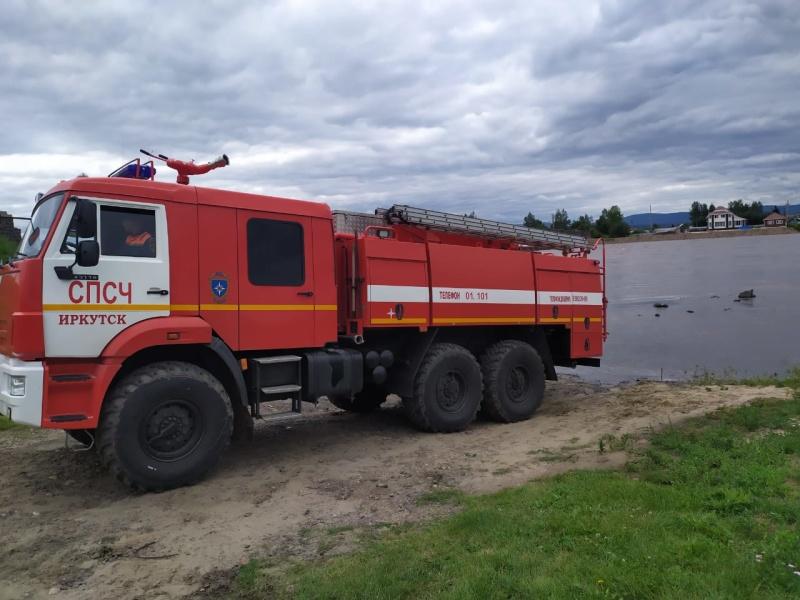 На усиление группировки спасателей в Тулунский район направлены дополнительные силы МЧС России