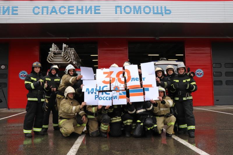 Пожарные республики присоединились к участию во Всероссийском танцевальном флешмобе