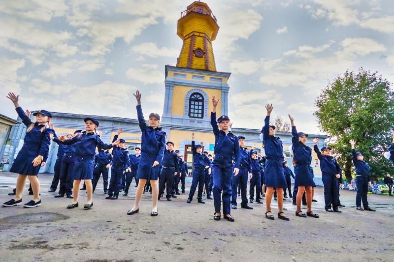 Юные зауральские кадеты по профилю МЧС России приняли эстафету Всероссийского танцевального флешмоба