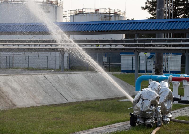 В Брянской области прошли крупномасштабные учения по ликвидации последствий розлива нефти и нефтепродуктов