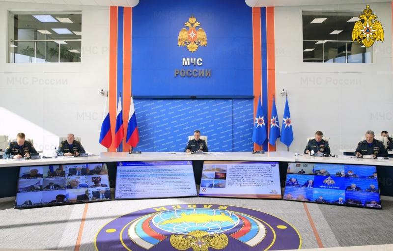 В МЧС России приняты решения по чрезвычайным ситуациям в ряде субъектов Российской Федерации (видео)