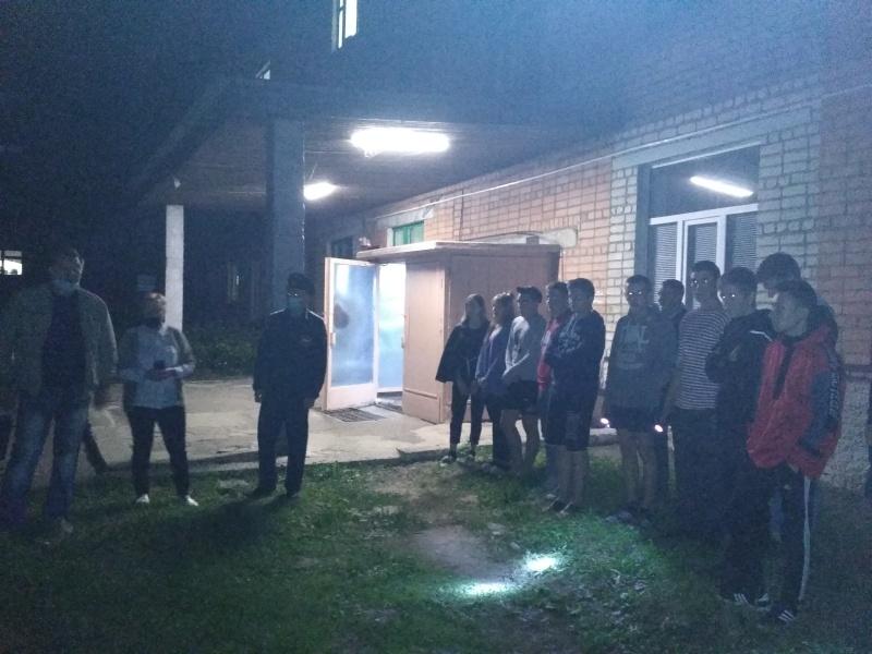 Ночные тренировки по эвакуации прошли в Новозыбковском пожарно-спасательном гарнизоне