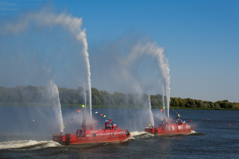 Сегодня состоялось открытие XIII Всероссийского чемпионата по водно-моторным соревнованиям среди команд ГИМС МЧС России