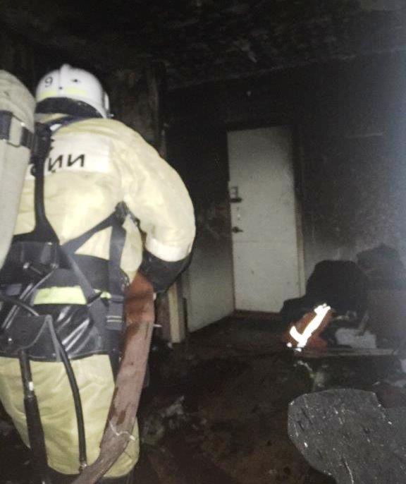 12 человек спасены на пожаре в городе Ангарске накануне вечером. Обстановка с пожарами в Иркутской области за прошедшие сутки