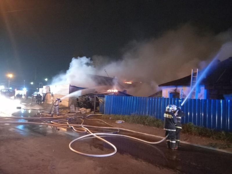 Пожарно-спасательные подразделения принимают участие в ликвидации пожара в г.о. г. Н.Новгород