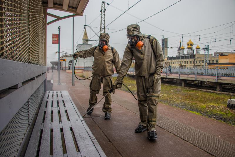 Сотрудниками ФПС ГПС МЧС России проведена дезинфекция железнодорожного вокзала в городе Твери