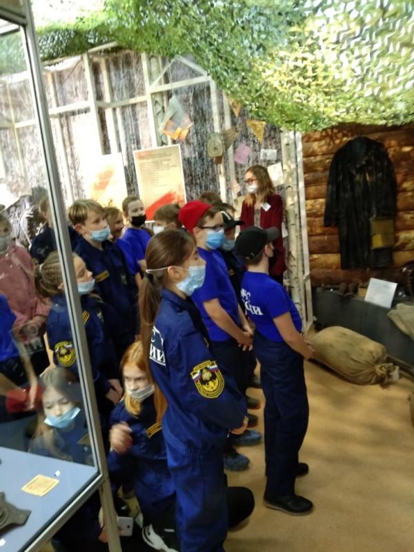 Кадеты-спасатели посетили выставку «Во имя жизни»