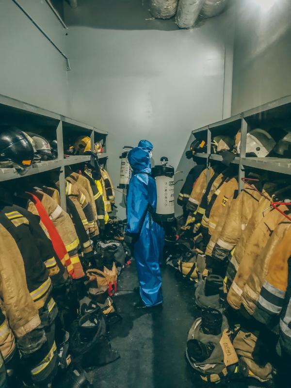 Сотрудники Специализированной пожарно-спасательной части Карелии провели обработку своей спецтехники