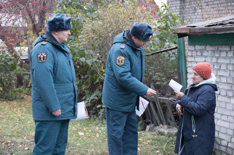 Как уберечь дом от пожара? Специалисты МЧС России дали рекомендации жителям частного сектора
