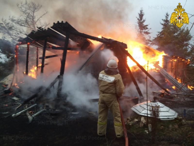 Ликвидация пожара в  Тарусском районе, д. Залужье, ул. Садовая