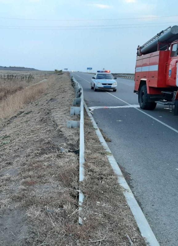 Спасатели МЧС России приняли участие в ликвидации ДТП на автодороге «Валуйки – Новый Оскол» Валуйского городского округа