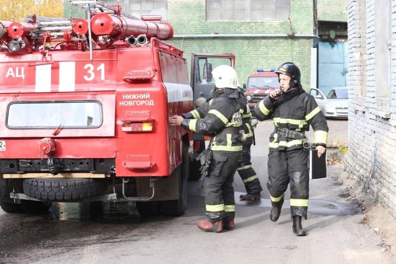 Сотрудники МЧС ликвидировали «возгорание» на складе красок