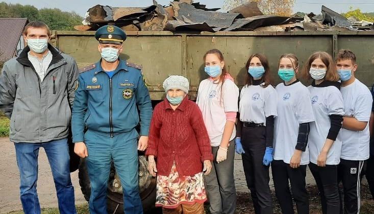 Сотрудники МЧС России продолжают оказывать заботу о ветеранах
