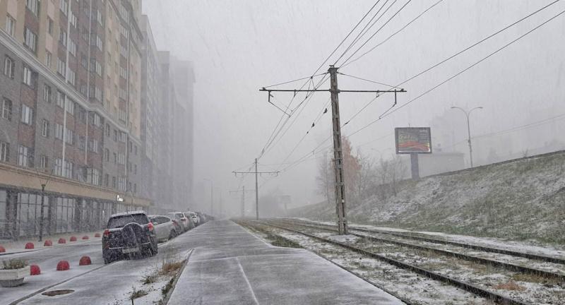 Синоптики вновь предупреждают о сильном ветре, мокром снеге и гололедице
