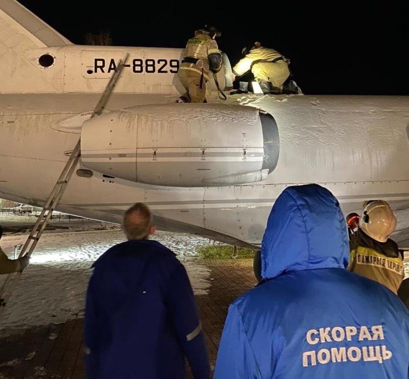 В Югорске сотрудники МЧС спасли ребёнка, застрявшего в турбине самолёта-памятника