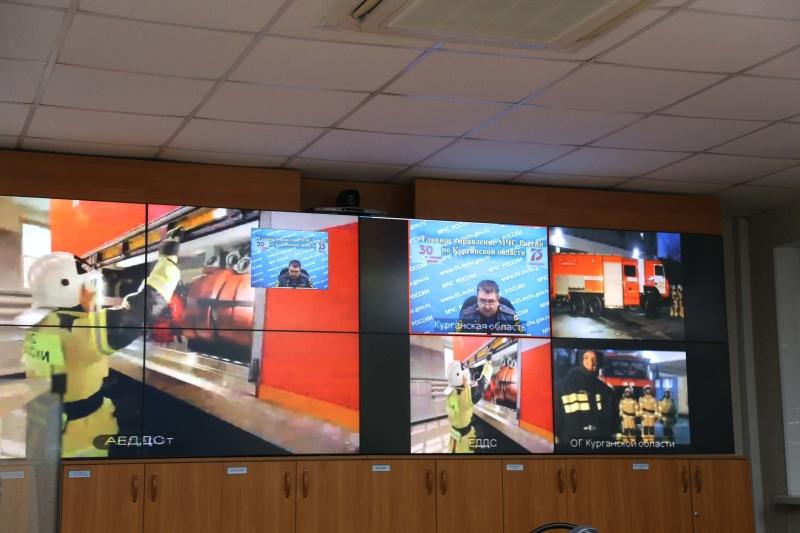 Начальник Главного управления МЧС России по Курганской области выступил с докладом на II Международном пожарно-спасательном конгрессе.
