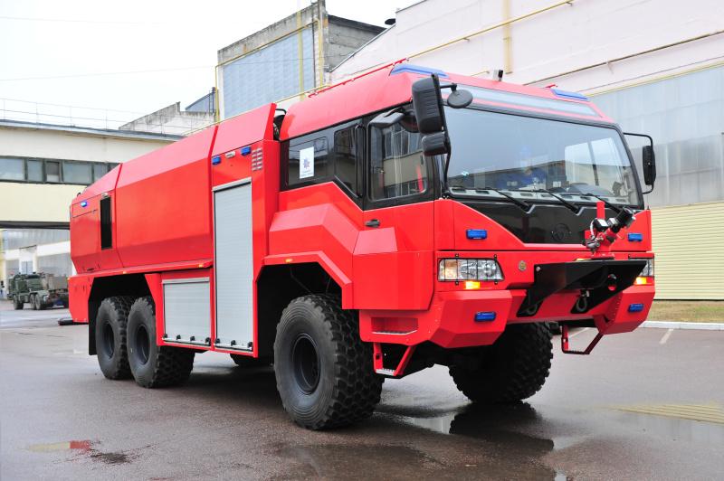 Новую пожарную аэродромную машину, разработанную в Брянске, представили на Международном пожарно-спасательном конгрессе