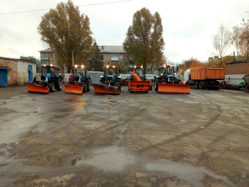Участие сотрудников МЧС России в смотрах техники дорожных служб