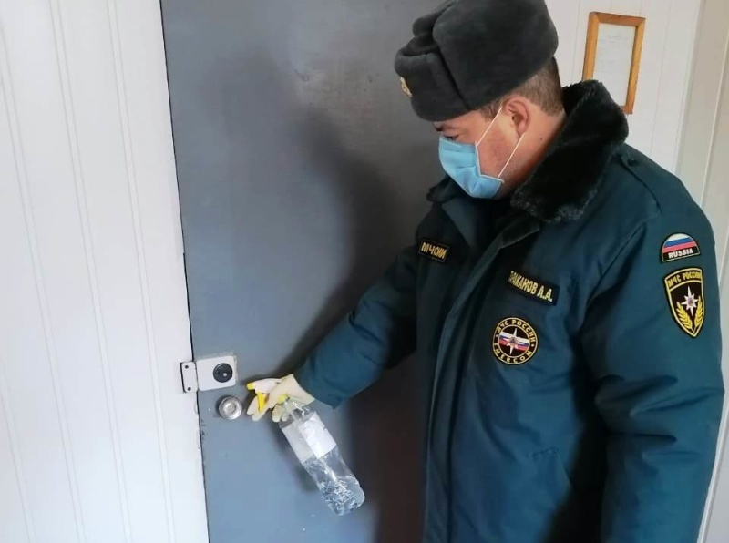 Ежедневная дезинфекция в пожарно-спасательных подразделенияx МЧС России