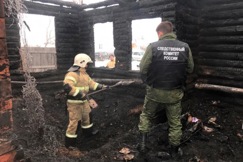 В селе Новомихайловка работает оперативная группа и психолог МЧС России