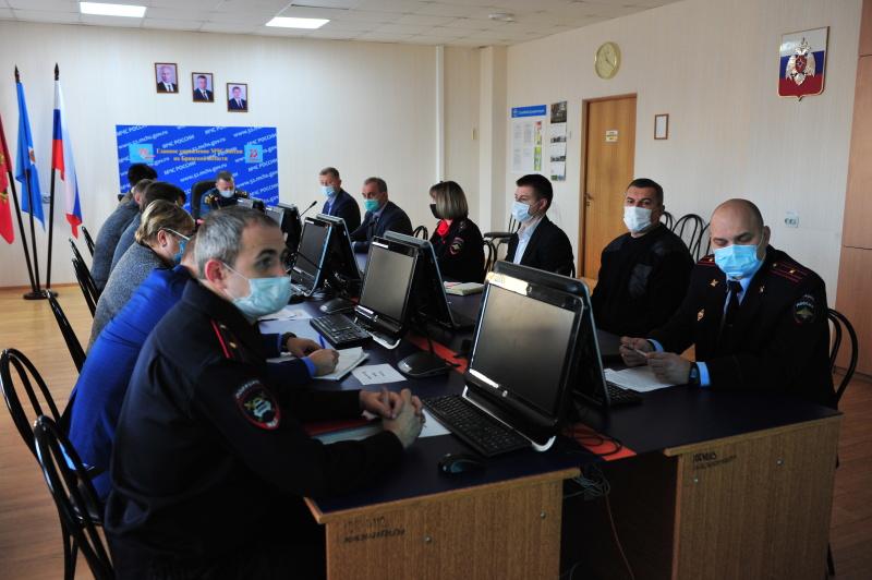 В Главном управлении подвели итоги деятельности Брянского регионального отделения ВДЮОД «Школа безопасности»