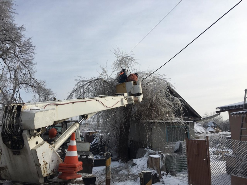 Группировка Амурского спасательного центра МЧС России продолжает оказывать помощь в ликвидации последствий циклона в Приморье (ВИДЕО)
