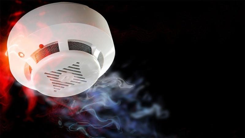 Сотрудники МЧС рекомендуют установить дома автономные пожарные извещатели