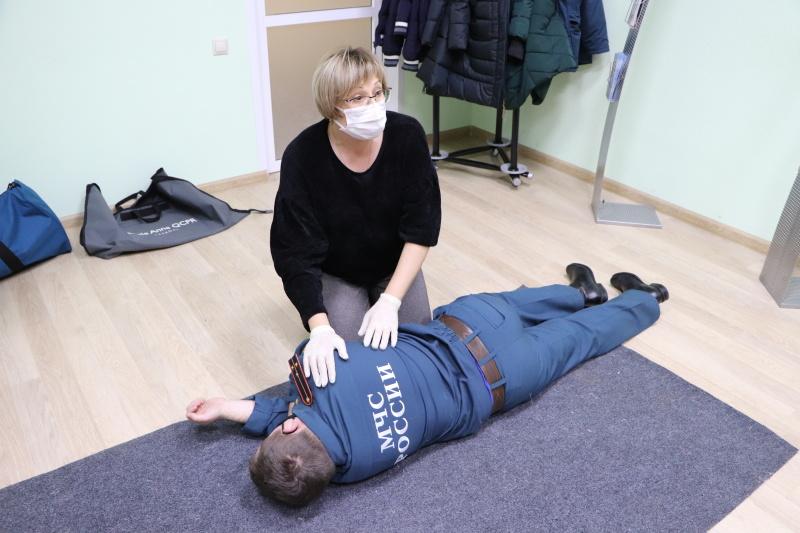 Цикл практических тренингов по формированию навыков первой помощи для сотрудников регионального МЧС
