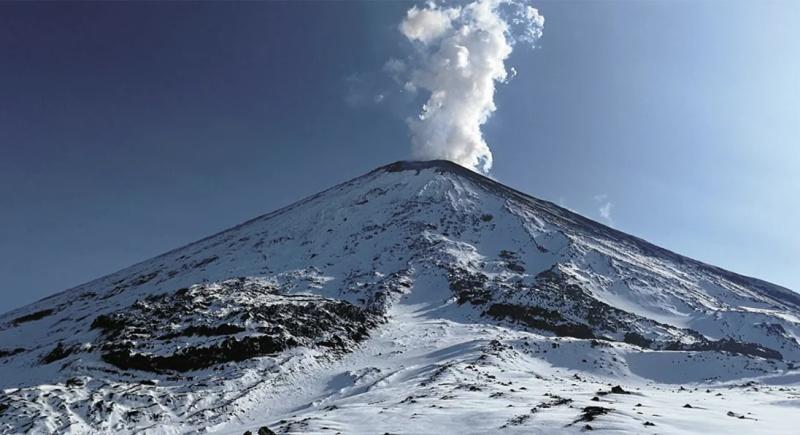 На Камчатке вулкан Ключевской выбросил пепел на шесть тысяч метров