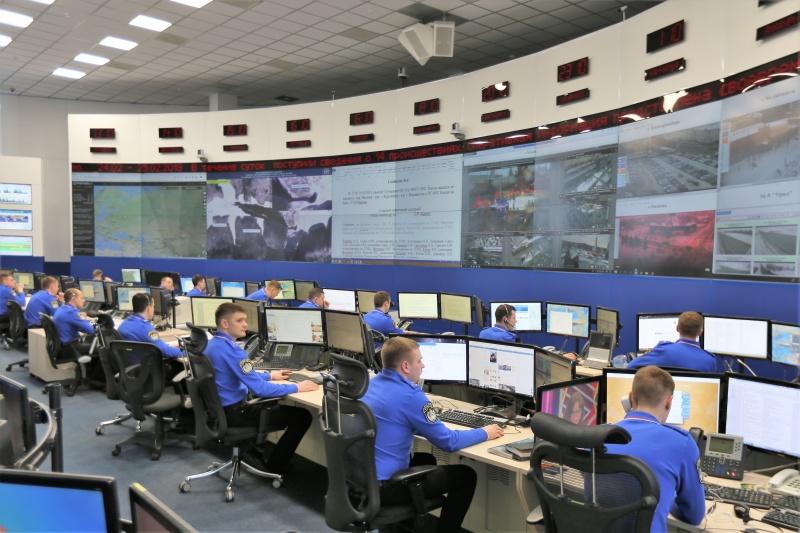 МЧС России: за неделю оперативными дежурными сменами разработано более 400 моделей развития обстановки