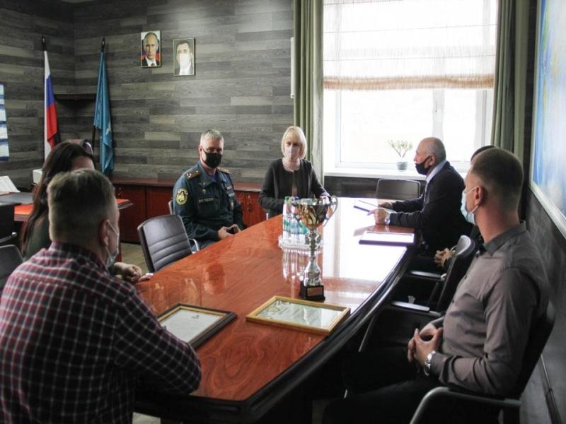 Корсаковскому Управлению по делам ГОЧС вручили сразу четыре награды