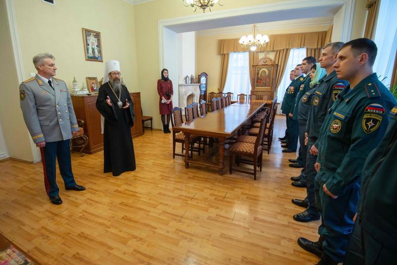 Митрополит Томский и Асиновский Ростислав поздравил спасателей с профессиональным праздником
