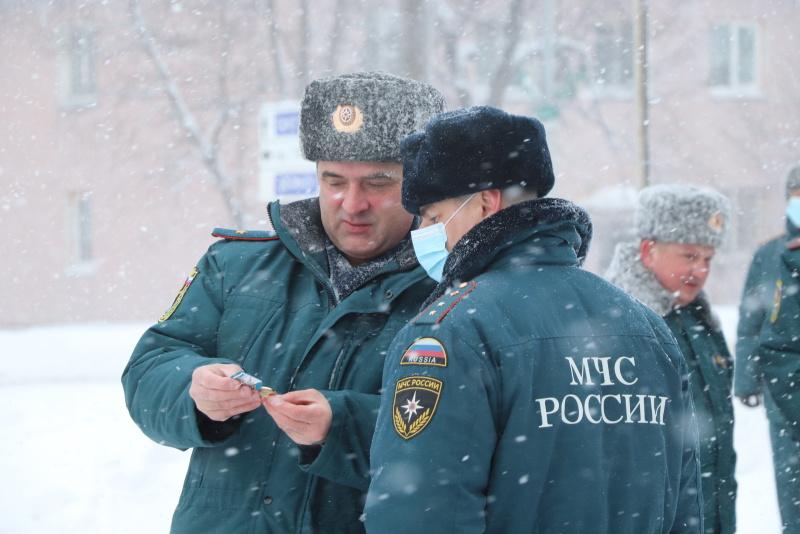 Сотрудники МЧС России отмечают профессиональный праздник