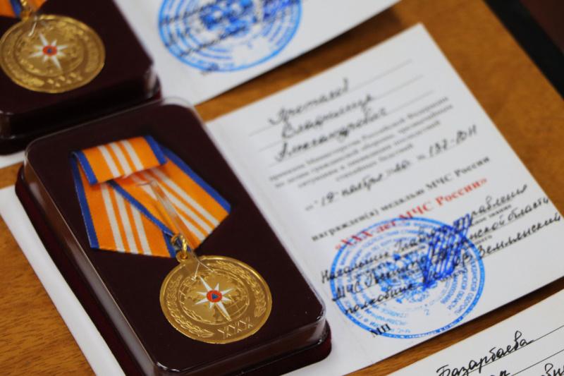 Зауральским волонтёрам Всероссийского студенческого корпуса спасателей вручили ведомственные награды МЧС России