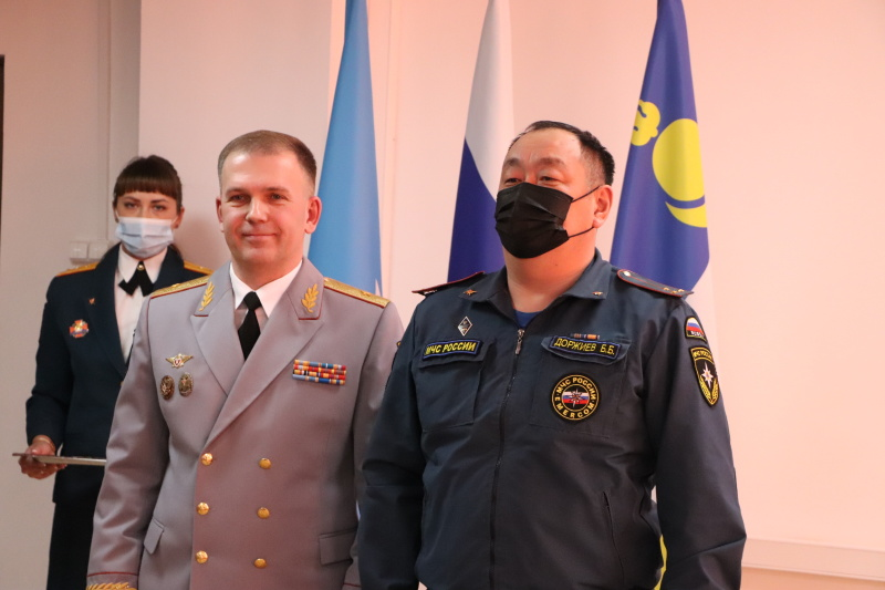 В Бурятии прошло торжественное собрание, посвященное Дню спасателя и 30-летию со дня основания МЧС России