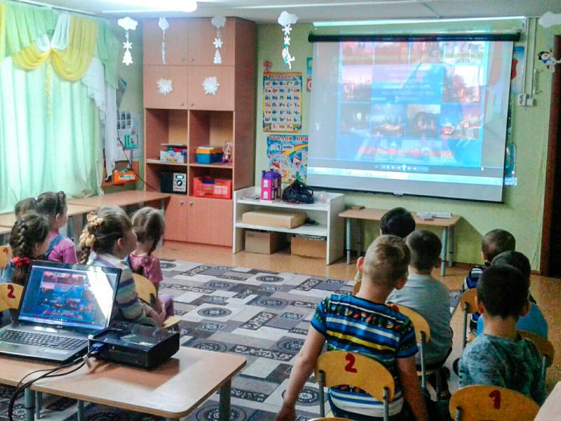 Зауральские ребята поздравили огнеборцев с наступающим Новым годом и 30-летием МЧС России
