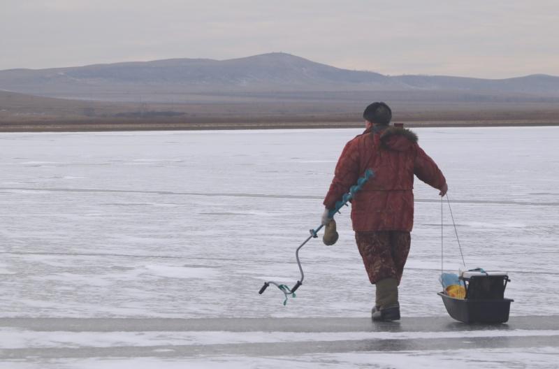 Будьте осторожны на зимней рыбалке
