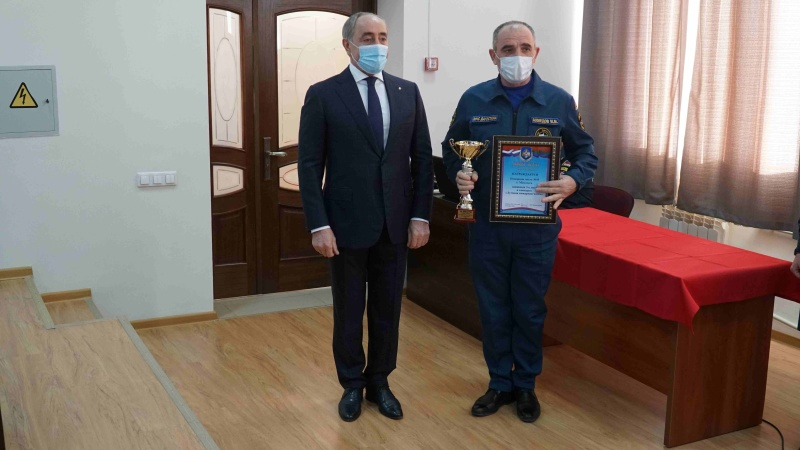 Главный спасатель республики поздравил личный состав с наступающим Новым годом