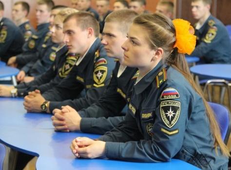Главное управление МЧС России по Оренбургской области проводит набор выпускников средних школ для поступления в ВУЗы МЧС России