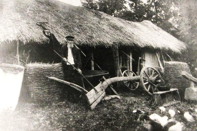 Заселение черноморских казаков на земли Кубани.  Пожар в казачьей землянке г. Екатеринодара 28 февраля 1795 года